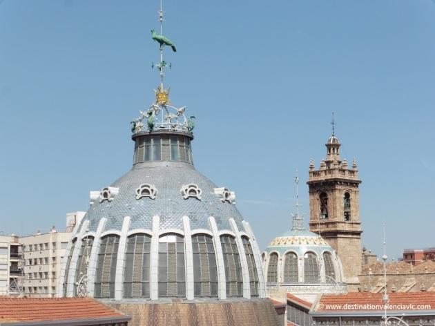 Cúpulas Mercado Central y Campanario de los Santos Juanes de Valencia