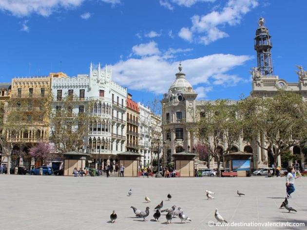 Edificio de Correos en la Plaza del Ayuntamiento de Valencia