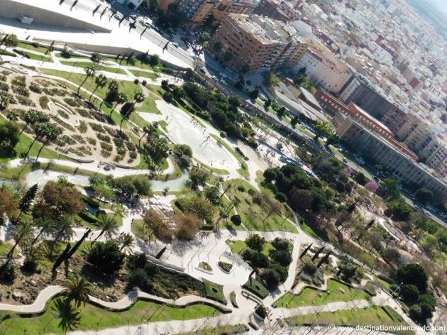 Jardines del río Turia junto al Palau de les Arts de Valencia
