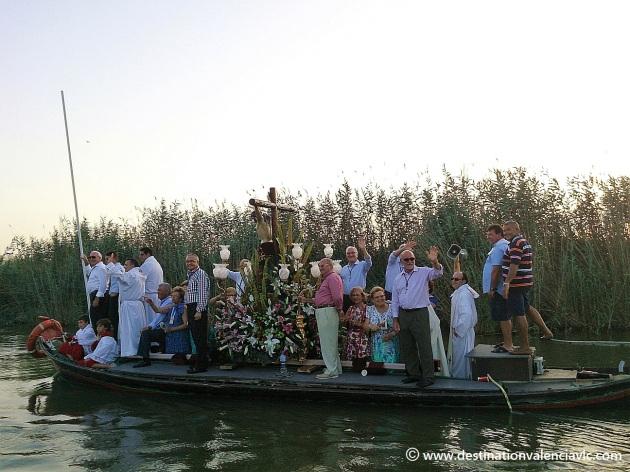 clavarios-cristo-el-palmar-barca-albufera-valencia